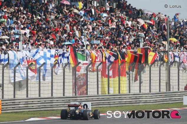 Jacques Villeneuve no cree que la afición tenga la solución a los problemas de la F1 - LaF1