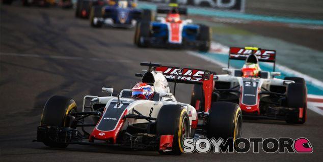 Grosjean y Gutiérrez durante la carrera en Abu Dabi - LaF1
