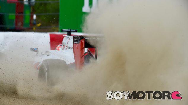Grosjean volvió a sufrir problemas de frenos - LaF1