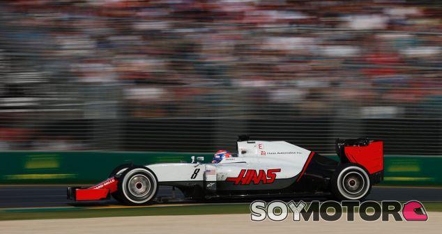 Grosjean durante una carrera esta temporada - LaF1