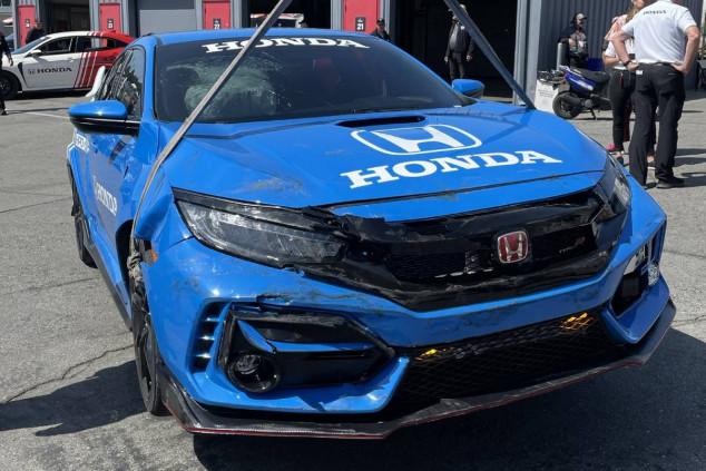 El Honda Civic Type R después del accidente, @JennaFryer - SoyMotor.com