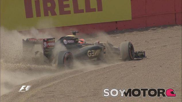 Romain Grosjean no pudo salir de la grava de Luffield - LaF1