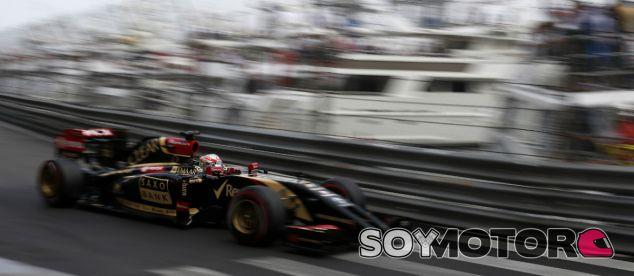 """Grosjean critica el compuesto superblando: """"Son neumáticos de madera"""""""