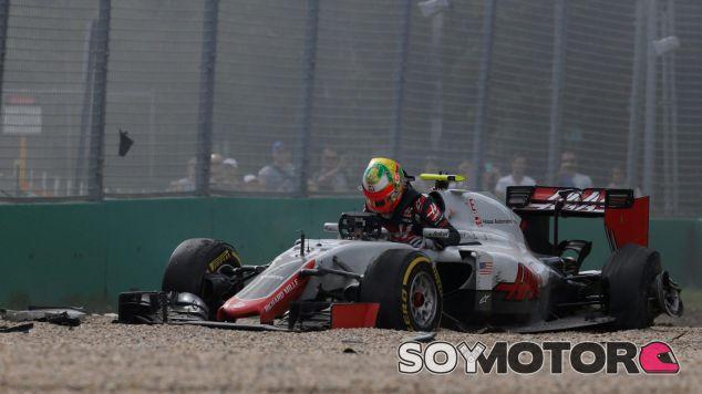 Esteban Gutiérrez ha salido ileso del brutal accidente con Fernando Alonso - LaF1