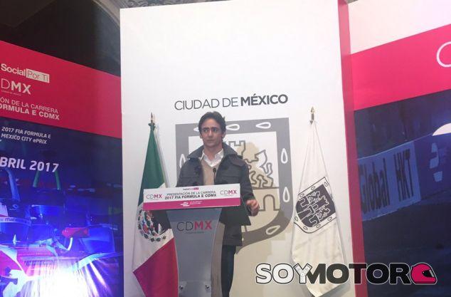 Gutiérrez durante el acto en el que se confirmó su presencia en la Fórmula E para 2017 - SoyMotor