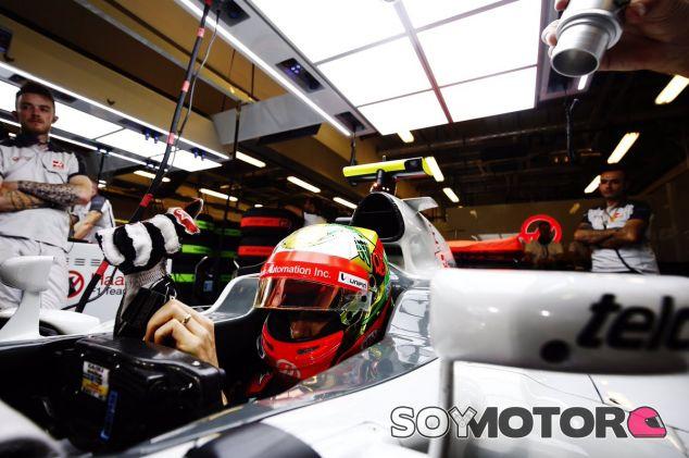 Gutiérrez en el box de Haas - SoyMotor