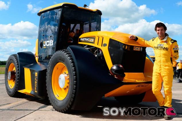 JCB Fastrac 800: el tractor más rápido del mundo - SoyMotor.com