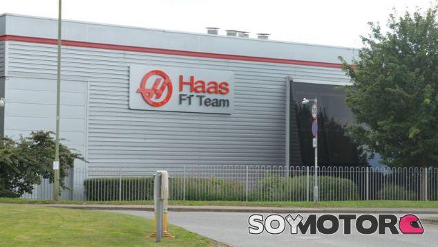 Dentro de cinco días sabremos los pilotos que competirán con Haas en 2016 - LaF1