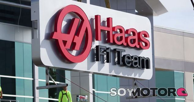 El logotipo de Haas F1 Team ya luce en la sede del equipo, situada en Kannapolis, Estados Unidos - LaF1