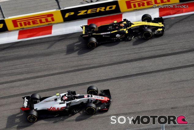 Kevin Magnussen y Carlos Sainz - SoyMotor.com