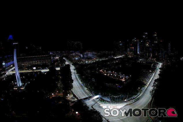 El coche de Haas durante el GP de Singapur de 2016 – SoyMotor.com