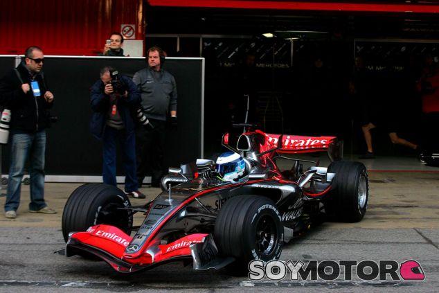 Mika Häkkinen en Barcelona, en noviembre de 2006 - SoyMotor