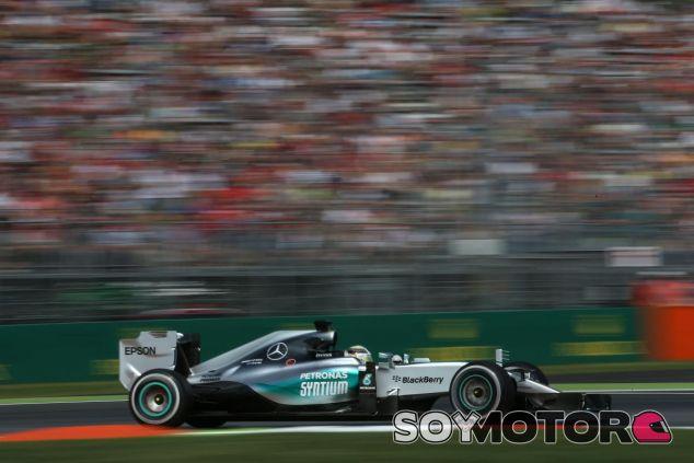 Hamilton fue imparable con la nueva unidad de potencia de Mercedes - LaF1