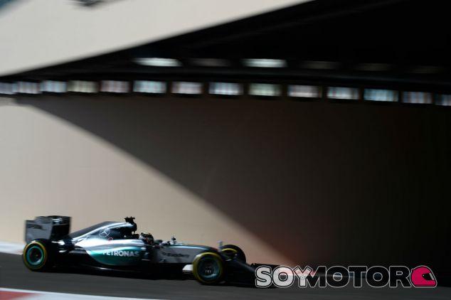 Hamilton domina los primeros entrenamientos libres en Abu Dabi - LaF1