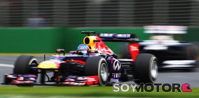 """Hamilton insta a Ricciardo a """"atacar"""" a Vettel"""
