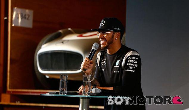 Lewis Hamilton, ayer en Stuttgart - LaF1