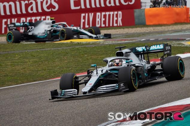 """Villeneuve cree que Bottas hizo mejor a Hamilton: """"No le dejó relajarse"""" - SoyMotor.com"""