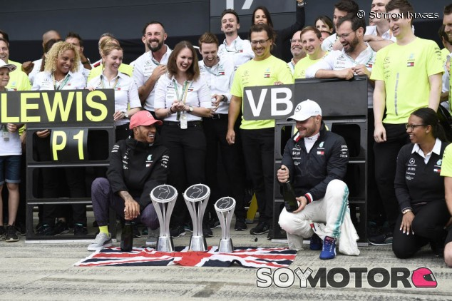 """Hamilton considera """"inteligente"""" la renovación de Bottas - SoyMotor.com"""