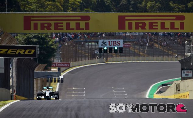 Lewis Hamilton en Brasil - LaF1
