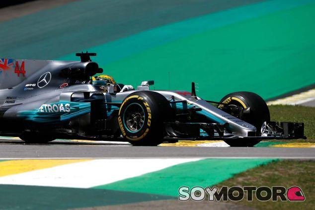 Lewis Hamilton en el Autódromo José Carlos Pace - SoyMotor.com