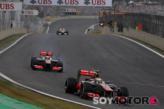 Hamilton y Button lideran el GP de Brasil de 2012 - SoyMotor