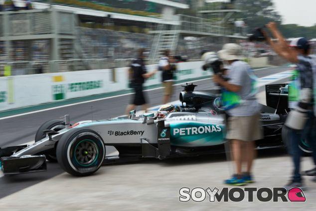 Rosberg consigue la pole por delante de Hamilton - LaF1