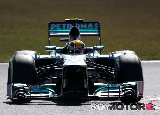 Lewis Hamilton y su W04 en Corea - LaF1