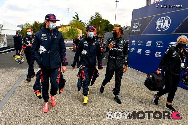 Verstappen, Pérez y Hamilton tras la clasificación de Imola - SoyMotor.com