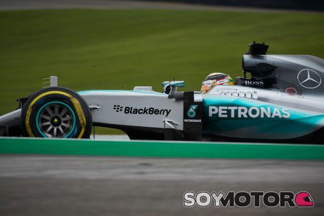 Hamilton no gana una carrera desde que se proclamó campeón - LaF1