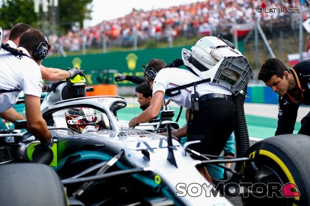 Mercedes revela por qué no pudo tranquilizar a Hamilton en la salida de Hungría - SoyMotor.com