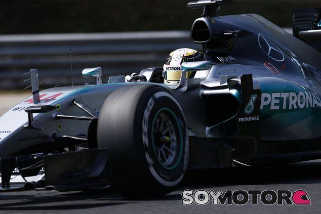 Lewis Hamilton con el W06 en Hungría - LaF1
