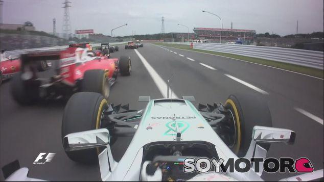Lewis Hamilton en la salida de Japón - LaF1