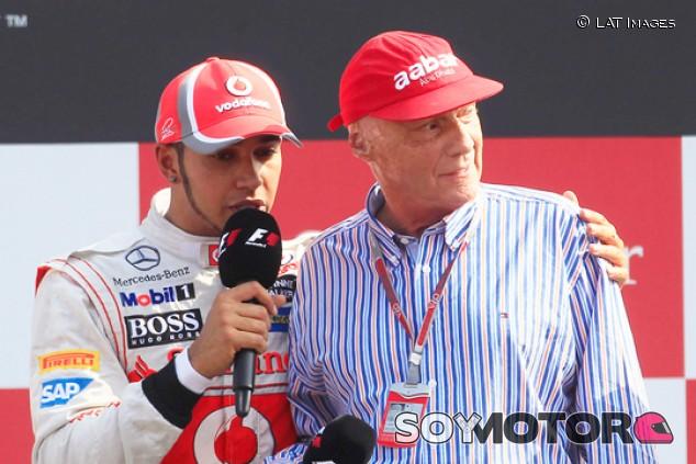 Los mejores recuerdos de Hamilton con Lauda: las primeras charlas - SoyMotor.com