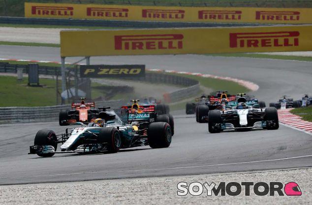Lewis Hamilton en Sepang - SoyMotor.com