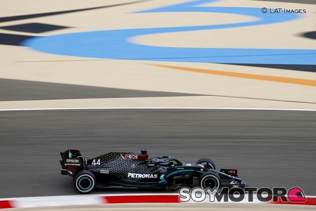 Mercedes domina los Libres 1 de Baréin sin usar el blando; Sainz, cuarto - SoyMotor.com