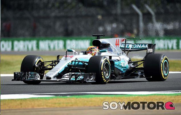 Mercedes en el GP de Gran Bretaña F1 2017: Viernes - SoyMotor.com