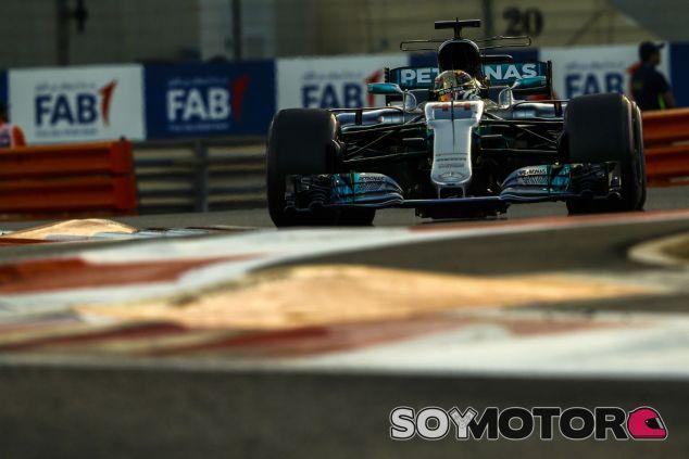 Hamilton en Abu Dabi - SoyMotor.com