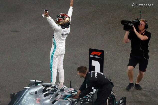 ¿Cuántas probabilidades hay de que Hamilton se vaya a Ferrari? - SoyMotor.com