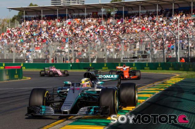 Hamilton no pudo ganar el GP de Australia - SoyMotor