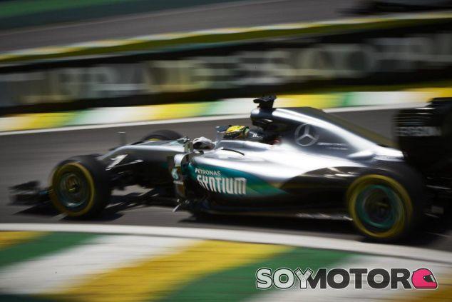 Hamilton en el GP de Brasil - SoyMotor