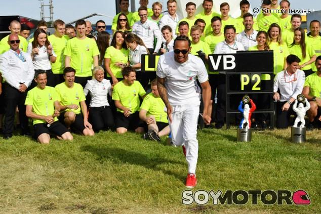 """Hamilton y el dominio de Mercedes: """"No es culpa nuestra"""" - SoyMotor.com"""