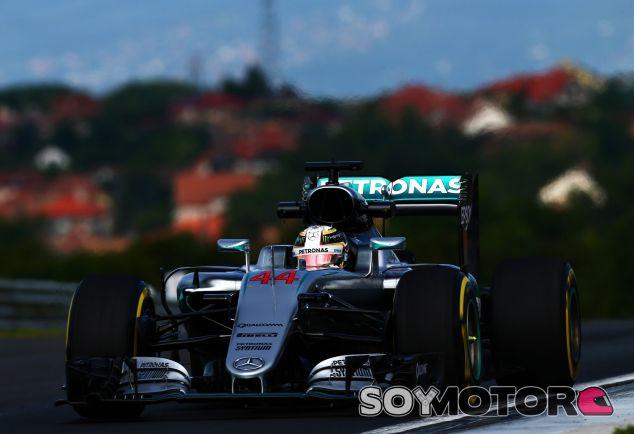 Hamilton lidera la primera sesión de entrenamientos libres de Hungría - LaF1