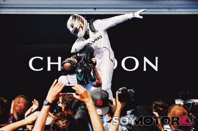 Hamilton aventaja en seis puntos a Rosberg - LaF1