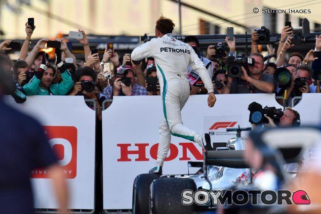 Lewis Hamilton en Japón - SoyMotor