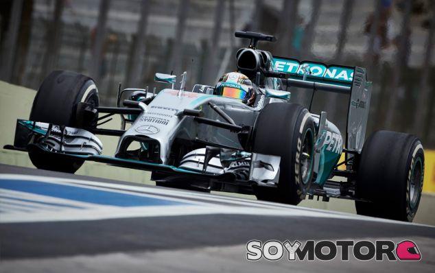 Lewis Hamilton en Interlagos - LaF1