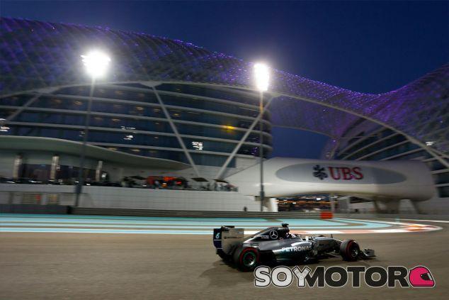 Lewis Hamilton en el Yas Marina - LaF1