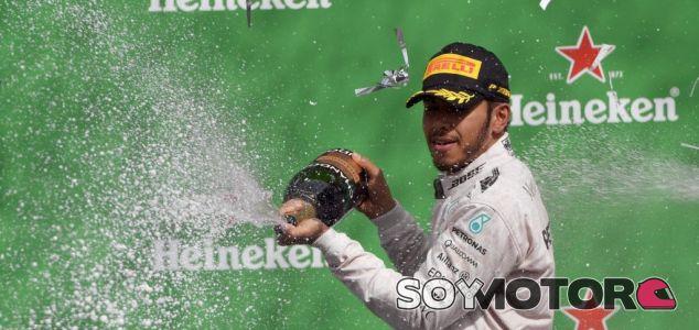 Hamilton, en el podio del GP de México - LaF1