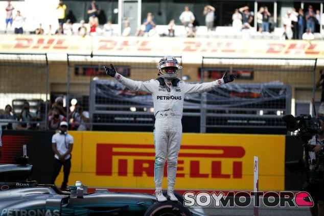 Hamilton celebra la Pole en Austin - SoyMotor.com