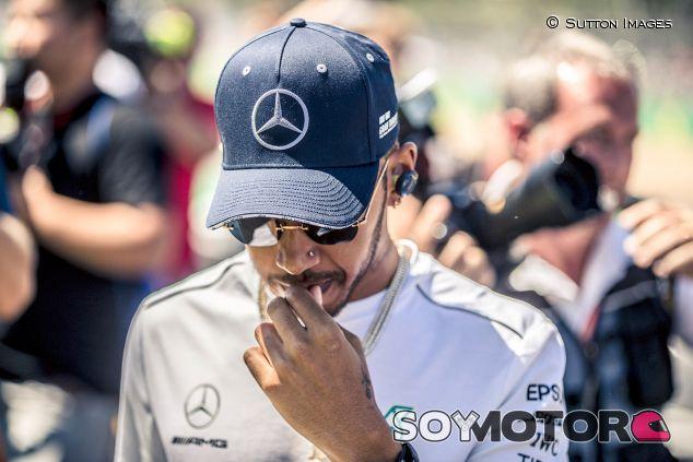Lewis Hamilton en una imagen de archivo de Silverstone - SoyMotor