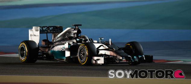 Sin cambios por la tarde: Hamilton líder y Alonso tras los Mercedes